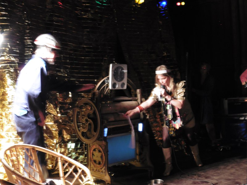 THE TIME MACHINE SHOW